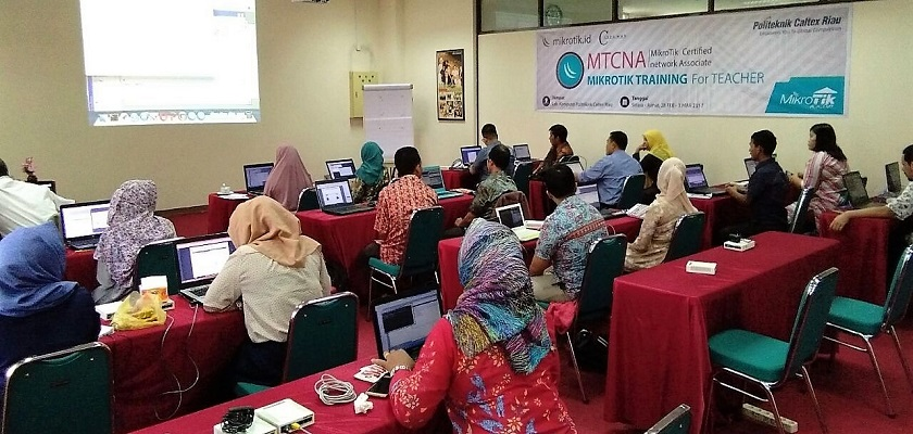 Gambar Day 3 : Mikrotik Training for Teacher 2017