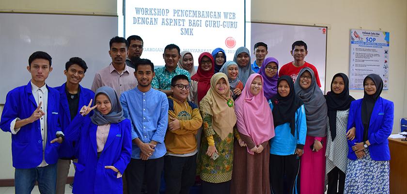 Gambar Dosen Jurusan Teknologi Informasi PCR Mengadakan Workshop Pengembangan Aplikasi Web Menggunakan Asp.Net Bagi Guru SMK Se-Pekanbaru