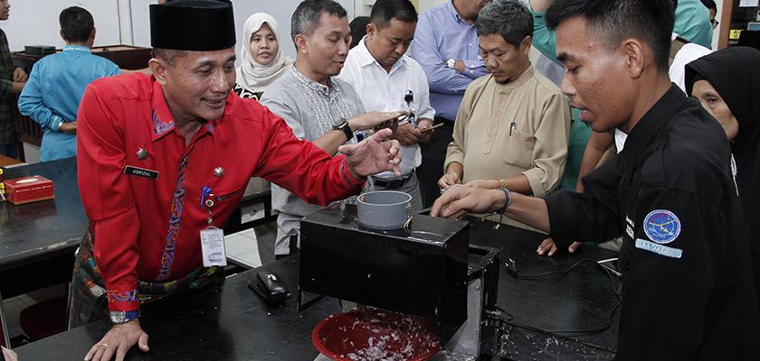 Gambar Kunjungi PCR, Dinas Perindustrian Provinsi Riau Jalin Kerjasama Bidang Teknologi Industri