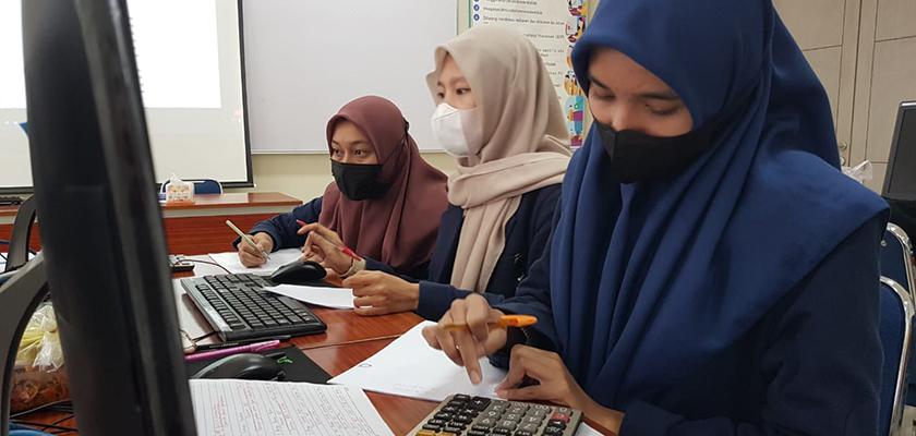 Gambar Mahasiswa Akuntansi PCR Raih Juara 1 Olimpiade Akuntansi Tingkat Mahasiswa Se-Indonesia di IAIN Batusangkar