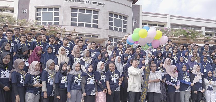 Gambar Manfaatkan Liburan Semester Ganjil, Ratusan Mahasiswa Mengikuti PCR Goes to School
