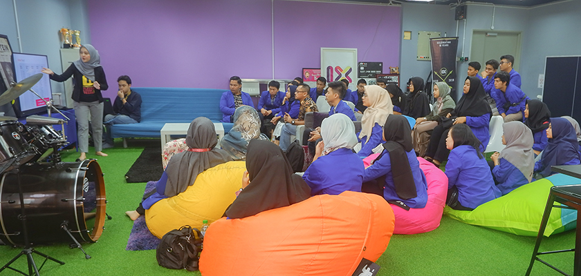 Gambar Memenuhi Pasar Kerja di Malaysia, Jurusan Teknologi Informasi lakukan Kunjungan Industri