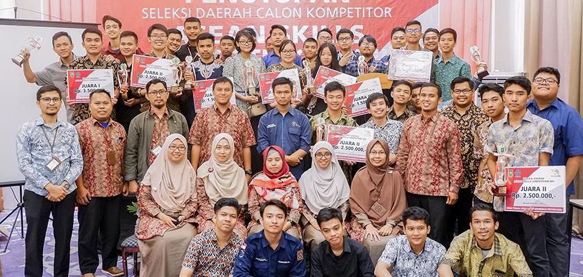 Gambar PCR Borong 11 Trophy pada Seleksi Daerah Asean Competition Skill (ASC) 2019