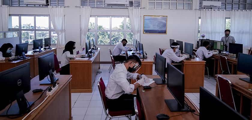 Gambar Pemprov Riau siapkan Kuota 30 Beasiswa Bidikmisi dan 10 Beasiswa Tahfidz pada Penerimaan Mahasiswa Baru PCR 2021