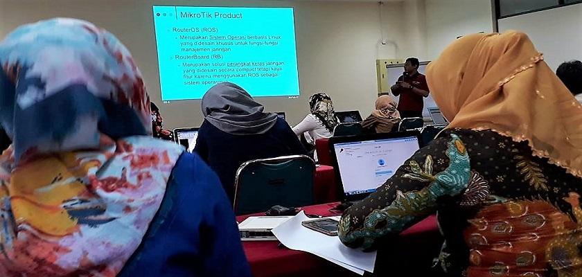 Gambar Politeknik Caltex Riau dan Citraweb Adakan Pelatihan Sertifikasi Dasar MikroTik bagi Guru-Guru SMK