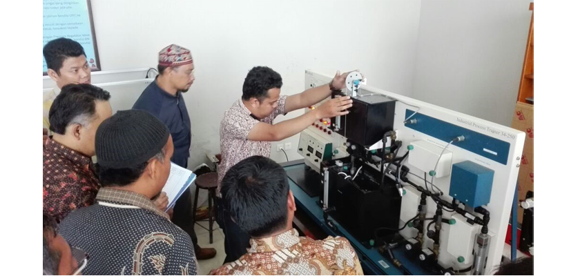 Gambar Pusat Unggulan Teknologi Automation Center PCR Persiapkan Lulusan Hadapi Sertifikasi Profesi LSP