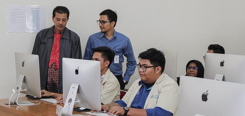 Gambar Tingkatkan Kualitas, Politeknik Kementerian Ketenagakerjaan Studi Banding Ke PCR