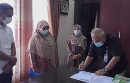 Dosen Teknik Komputer PCR Hibahkan Aplikasi Bank Sampah ke DLHK Kota Pekanbaru