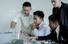 PCR Latih Tim Robot MAN 1 Kuansing