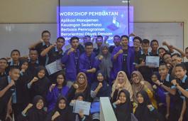 Pengabdian Masyarakat, Teknik Informatika PCR Gelar Workshop Pembuatan Aplikasi Manajemen Keuangan Sederhana Berbasis Pemrograman Berorientasi Obyek kepada siswa-siswi SMKN 5 Pekanbaru
