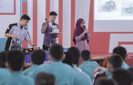 Pengabdian Kepada Masyarakat, Elva Memberikan Pengetahuan Robotika kepada 186 Siswa MTS Al-Itihad Rumbai