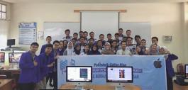 Gambar Dosen PCR Gelar Pelatihan Pengembangan Aplikasi Mobile IoS kepada Siswa SMK Labor Pekanbaru
