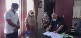 Gambar Dosen Teknik Komputer PCR Hibahkan Aplikasi Bank Sampah ke DLHK Kota Pekanbaru