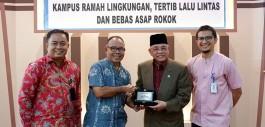 Gambar Pejabat Timbalan Menteri Luar Negeri Kementerian Luar Negeri Malaysia Kunjungi PCR