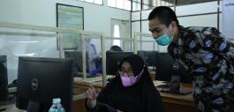 Gambar Pengabdian kepada Masyarakat, Dosen Prodi Sistem Informasi Gelar Workshop Laravel untuk Guru SMK/SMA