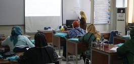 Gambar Program Hibah Ristek-Brin, Dosen PCR Gelar Pelatihan Keuangan Bagi Kelompok UKM Ibu-Ibu Kreatif Gerai Kembang Setaman Kec. Payung Sekaki Kota P