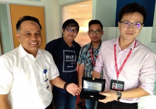 Direktur PCR bersama PM Alumni di Hitachi EbWorx
